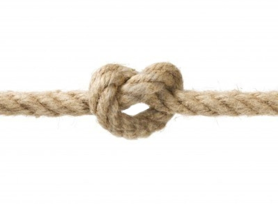 Photo of a knot in a thick sisal rope